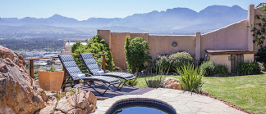 26 - 4 star Guesthouse – Gordon's Bay – 7 guestrooms, spacious 2 bedroom owner's apartment, manager's apartment plus additional room to expand