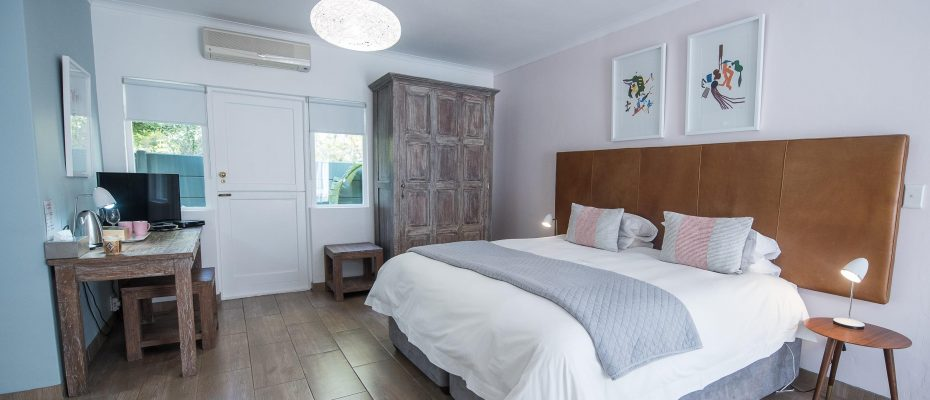 Luxury room 1 - Robertson – 4 star Contemporary Boutique Guest House – 7 guestrooms on spacious 2013 m2 double plot offering additional room to expand