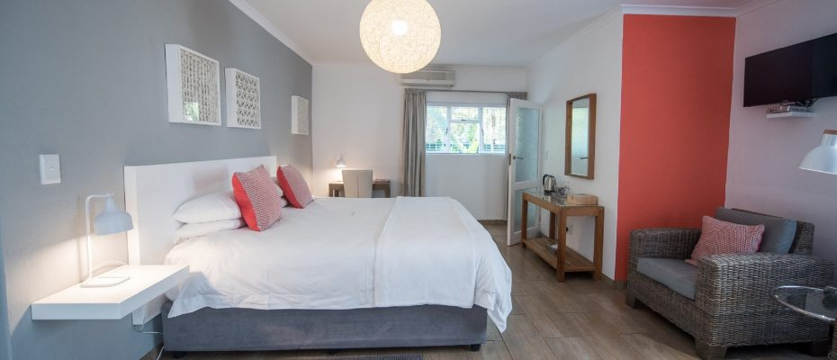 Luxury room 2 - Robertson – 4 star Contemporary Boutique Guest House – 7 guestrooms on spacious 2013 m2 double plot offering additional room to expand