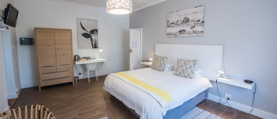 Luxury room 3 - Robertson – 4 star Contemporary Boutique Guest House – 7 guestrooms on spacious 2013 m2 double plot offering additional room to expand