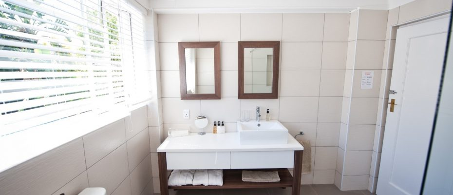 Standard - bathroom - Robertson – 4 star Contemporary Boutique Guest House – 7 guestrooms on spacious 2013 m2 double plot offering additional room to expand