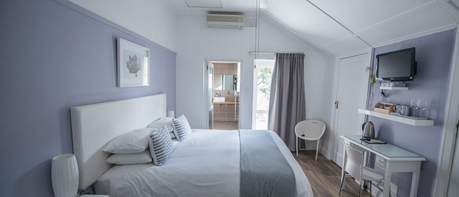 Standard room 1 - Robertson – 4 star Contemporary Boutique Guest House – 7 guestrooms on spacious 2013 m2 double plot offering additional room to expand