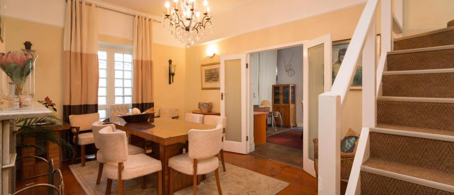 1 (12) - Charming B&B – 4 Guest rooms and Owners Suit – Gardens – Cape Town