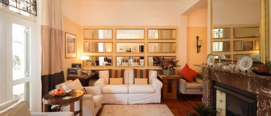 1 (21) - Charming B&B – 4 Guest rooms and Owners Suit – Gardens – Cape Town