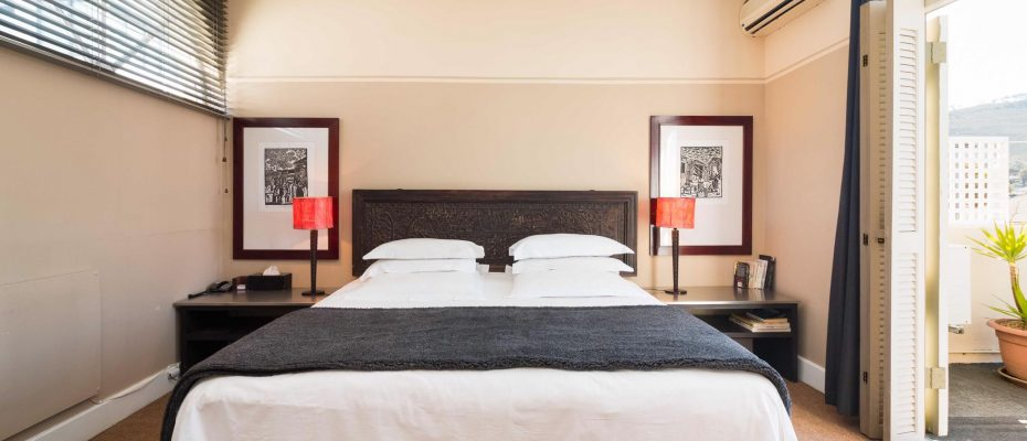 1 (3) - Charming B&B – 4 Guest rooms and Owners Suit – Gardens – Cape Town