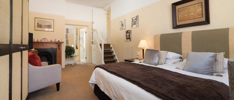 1 (33) - Charming B&B – 4 Guest rooms and Owners Suit – Gardens – Cape Town