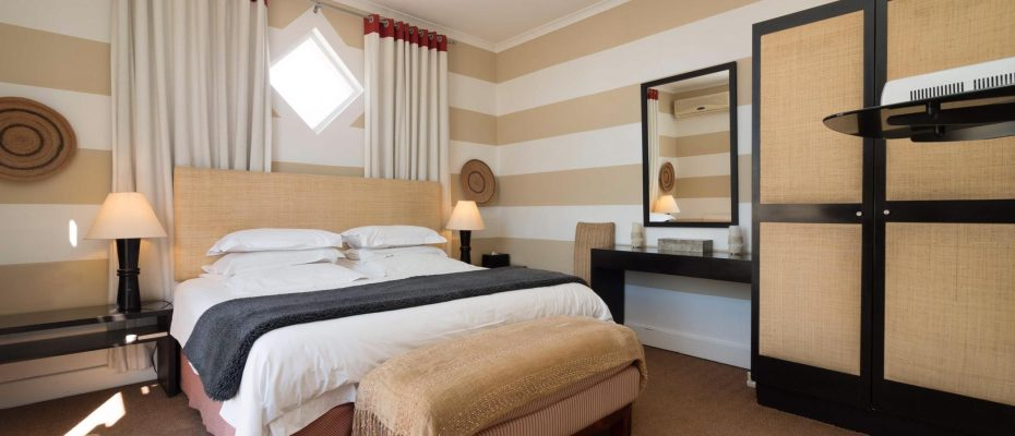1 (35) - Charming B&B – 4 Guest rooms and Owners Suit – Gardens – Cape Town