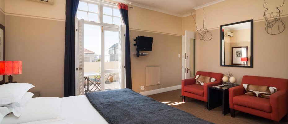 1 (4) - Charming B&B – 4 Guest rooms and Owners Suit – Gardens – Cape Town