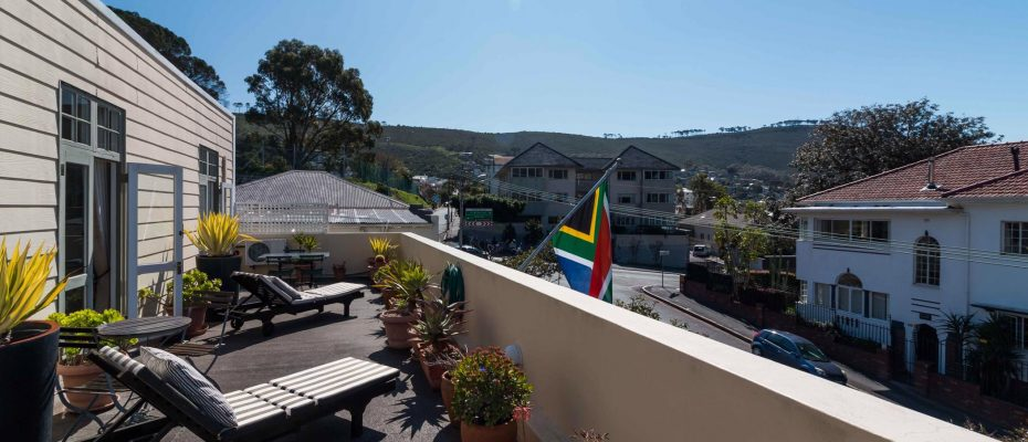 1 (40) - Charming B&B – 4 Guest rooms and Owners Suit – Gardens – Cape Town