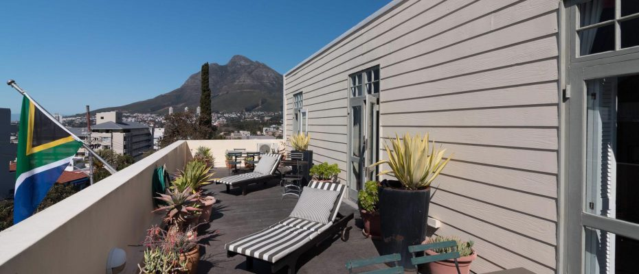1 (41) - Charming B&B – 4 Guest rooms and Owners Suit – Gardens – Cape Town