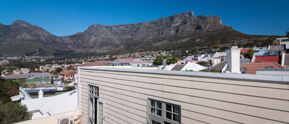 1 (42) - Charming B&B – 4 Guest rooms and Owners Suit – Gardens – Cape Town