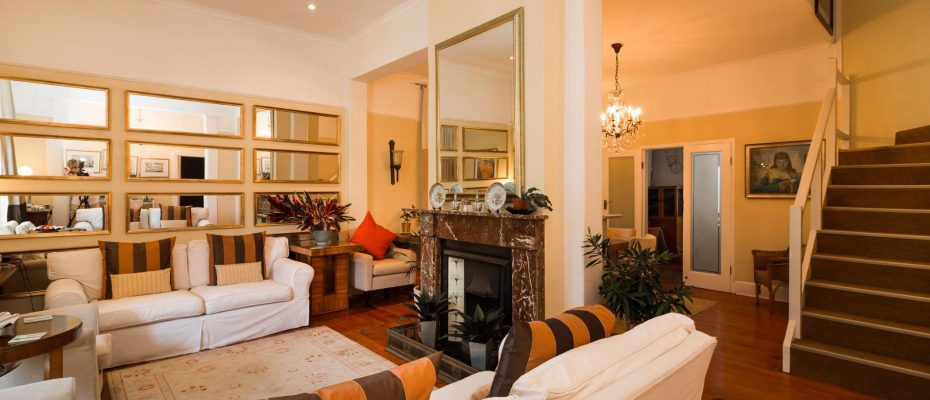 1 (7) - Charming B&B – 4 Guest rooms and Owners Suit – Gardens – Cape Town
