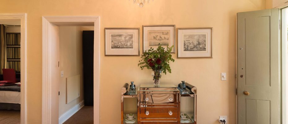1 (9) - Charming B&B – 4 Guest rooms and Owners Suit – Gardens – Cape Town