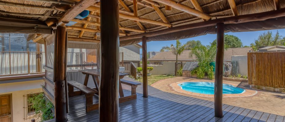 265 Uys Krige Dr Loevenstein LOWRES-106 - 3 star guesthouse with 8 semi self-catering guestrooms and private spacious 2/3 bedroom owner's home