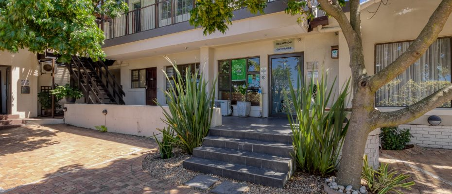 265 Uys Krige Dr Loevenstein LOWRES-4 - 3 star guesthouse with 8 semi self-catering guestrooms and private spacious 2/3 bedroom owner's home