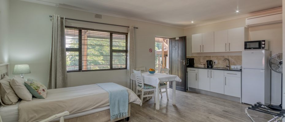 265 Uys Krige Dr Loevenstein LOWRES-90 - 3 star guesthouse with 8 semi self-catering guestrooms and private spacious 2/3 bedroom owner's home